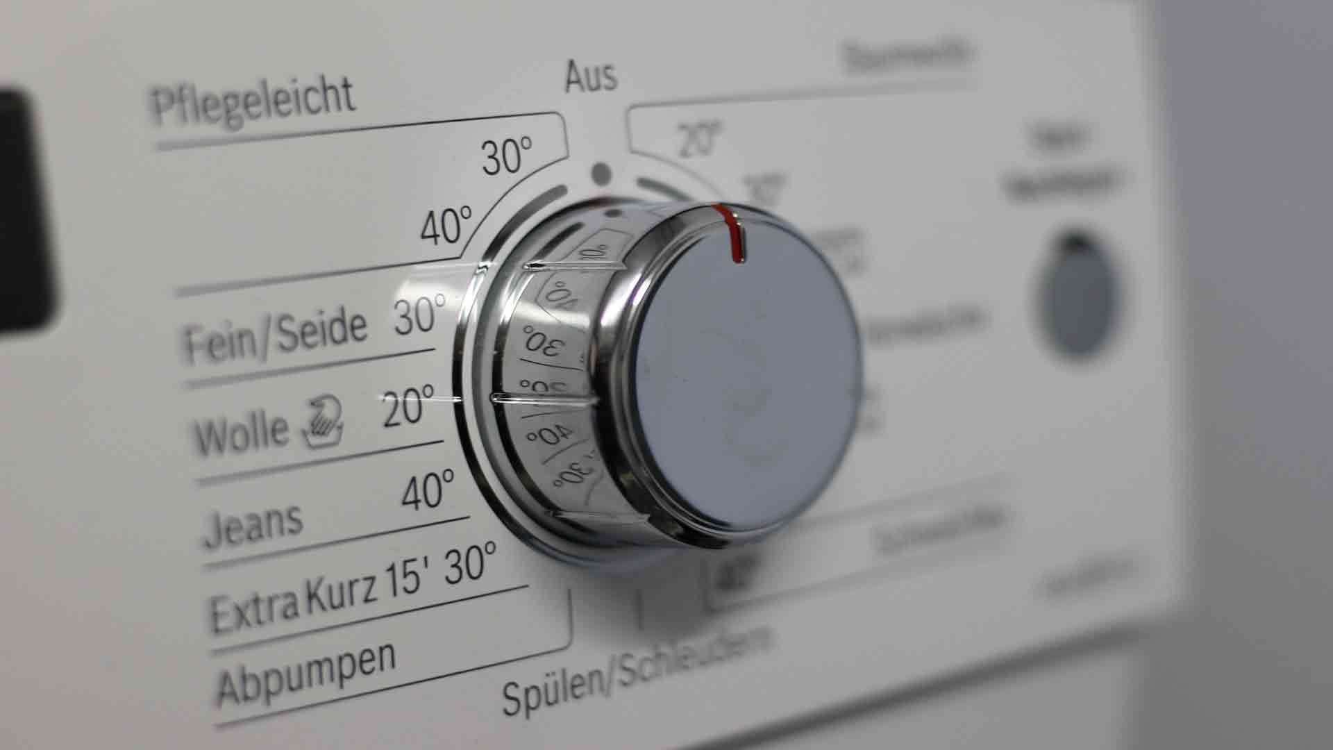 8-claves-para-reducir-el-consumo-de-tus-electrodomésticos-1920