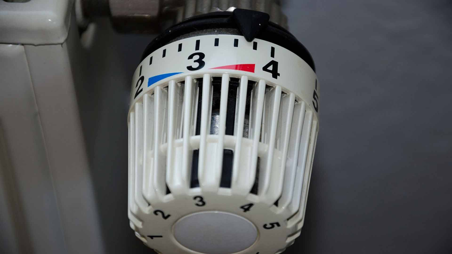 la-importancia-de-purgar-los-radiadores-1920