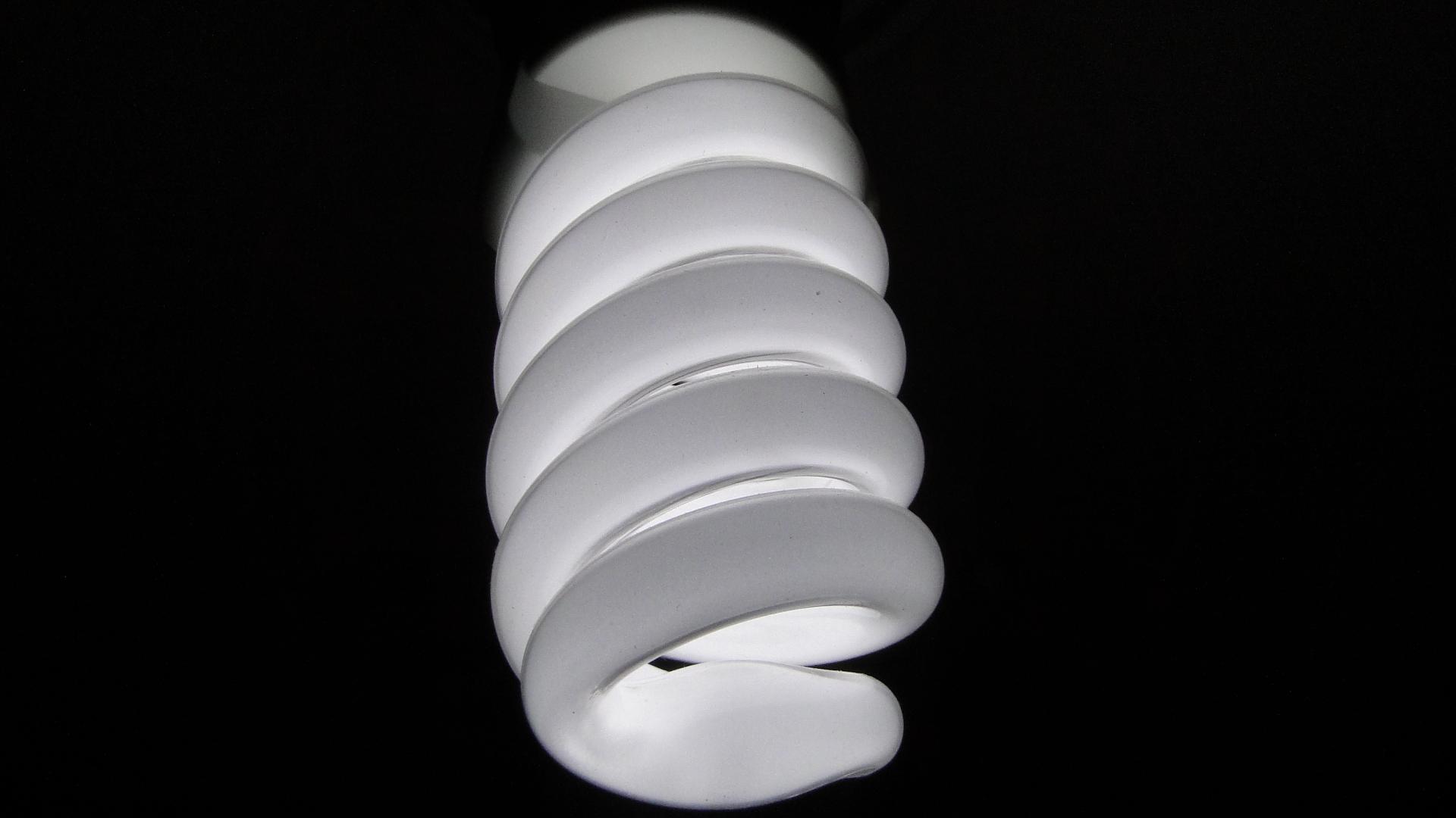 En busca de la bombilla LED mas adecuada 1920